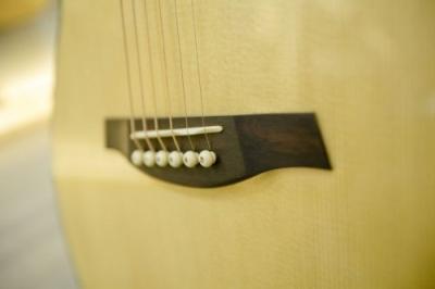 Guitar Thuận AT-02C